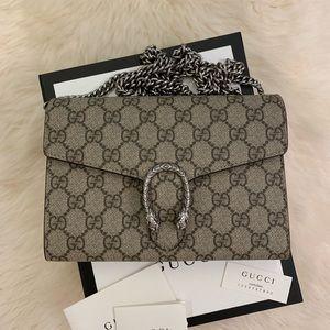 Gucci Dionysus GG Supreme Mini Chain Crossbody Bag